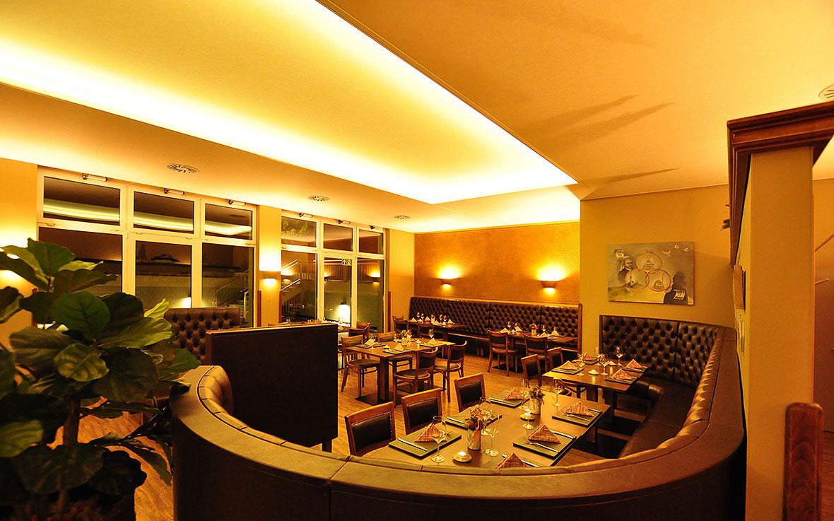 https://villa-weisse.de/wp-content/uploads/2016/03/restaurant.jpg