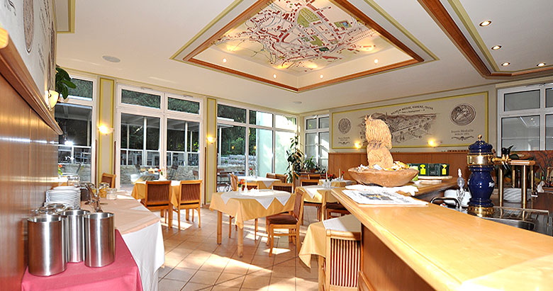 https://villa-weisse.de/wp-content/uploads/2016/05/restaurant-s2.jpg
