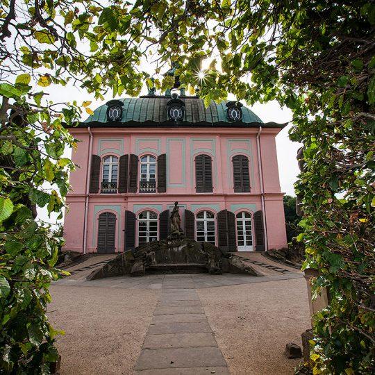 https://villa-weisse.de/wp-content/uploads/2016/10/Fasanenschloesschen-moritzburg-540x540.jpg