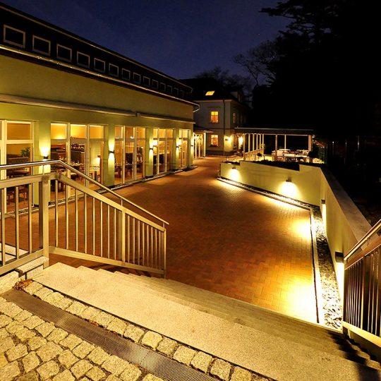 https://villa-weisse.de/wp-content/uploads/2016/10/HOTEL-VILLA-WEISSE-N1-540x540.jpg