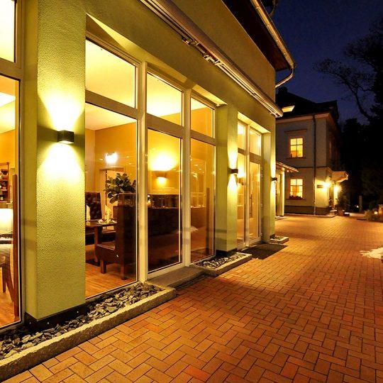https://villa-weisse.de/wp-content/uploads/2016/10/HOTEL-VILLA-WEISSE-N2-540x540.jpg
