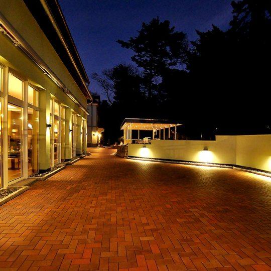 https://villa-weisse.de/wp-content/uploads/2016/10/HOTEL-VILLA-WEISSE-N7-540x540.jpg